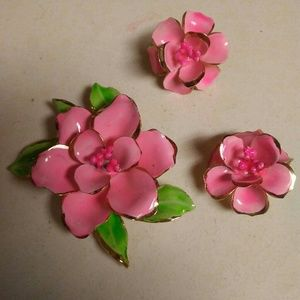 Flower earrings and brooch